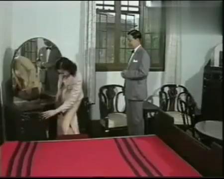 上海一家人:桂花浓妆艳抹住进了大宅子,忙答应大老板的追求