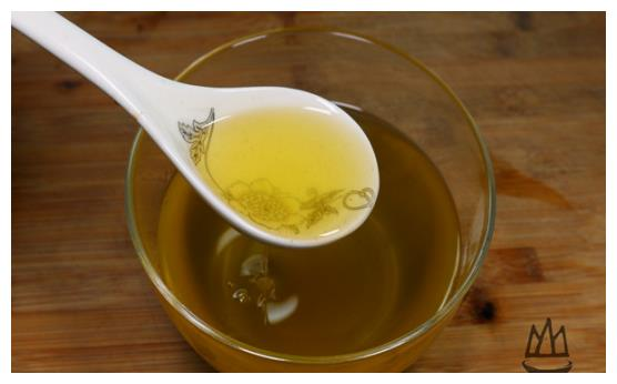 炸花椒油,到底冷油还是热油下锅?很多人做错了,难怪不香又不麻