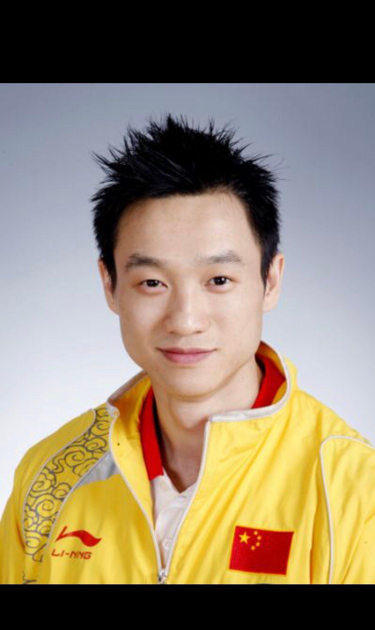 名人诞辰:中国男子体操运动员一一杨威