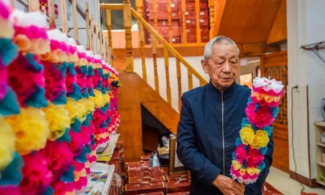 贵州花烛传承人刘贵贤,12岁随父学做花,梦想是带动艺人脱贫致富