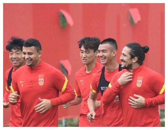 国足喜讯!归化球员对中国感情深厚,若进世界杯,花8.7亿值了!