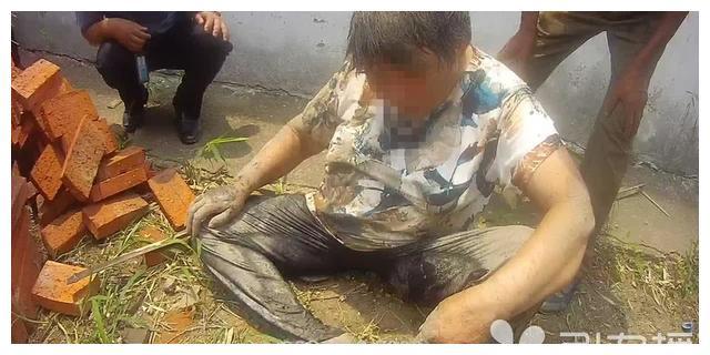 常熟市西双凤泾一老人独自外出摔进水沟 民警及时赶到平安送回家