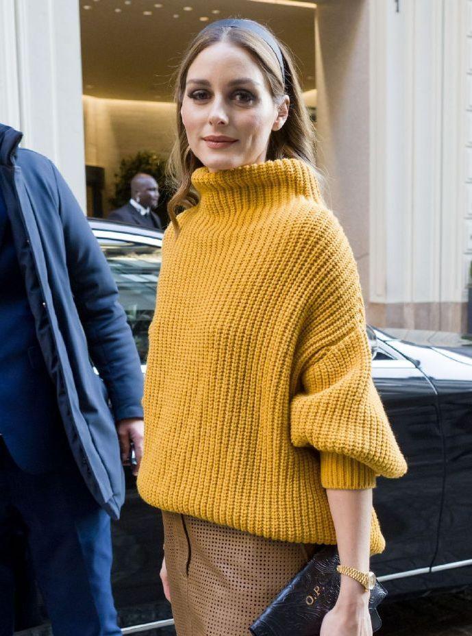 纽约名媛奥利维亚·巴勒莫亮相,针织毛衣+半身裙,尽显温柔