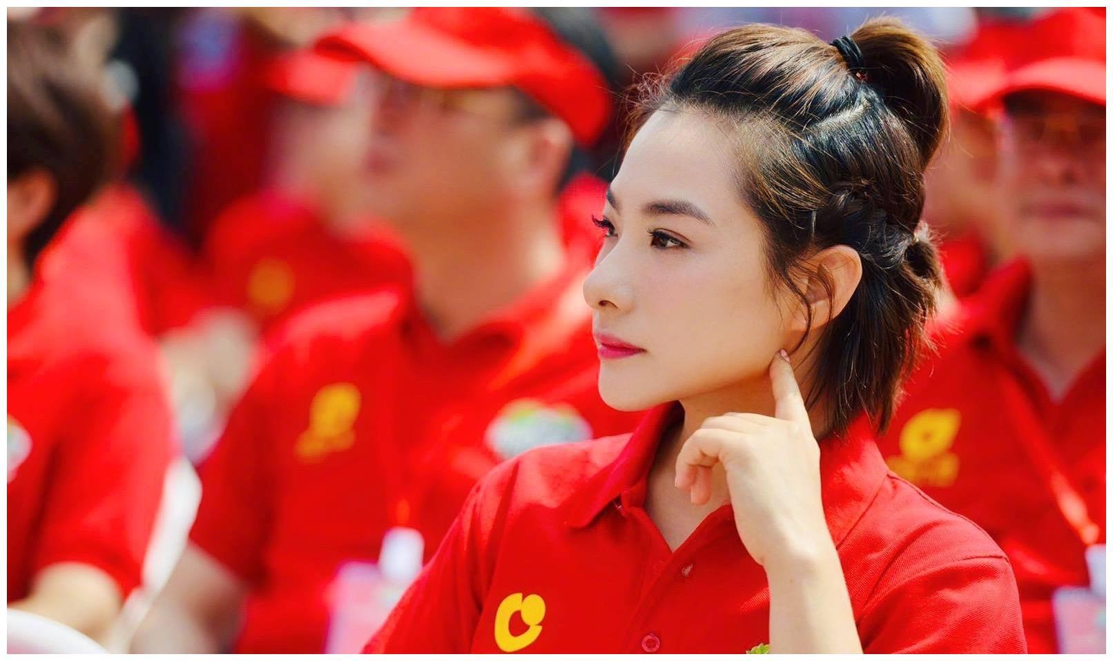 中国体操队长转型进娱乐圈发展,如今41岁身价过亿令人羡慕