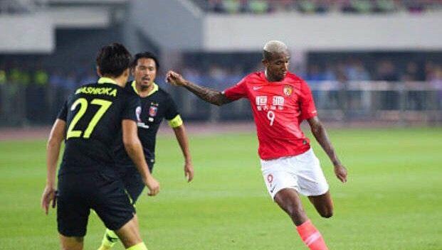 【广州恒大vs浦和红钻】上半场比赛结束,两队均无建树。