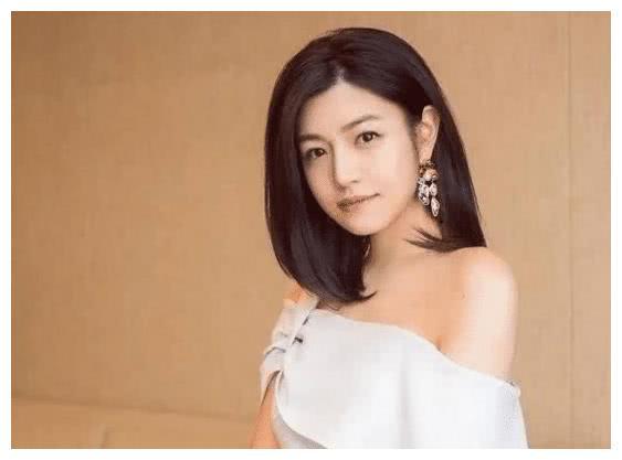 年轻时的李湘,年轻时的陈妍希,向太:你们都站后面去