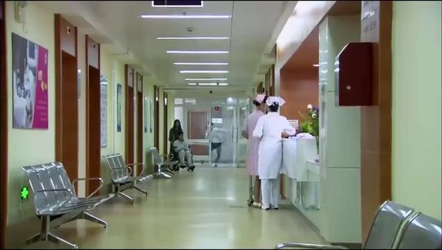 深圳合租记:小伙坠楼进医院,好兄弟来看他,只顾着撩小护士