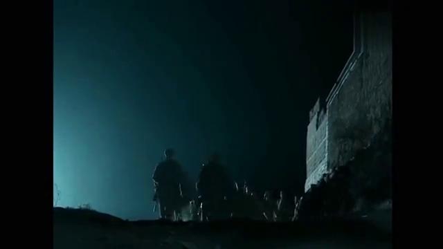 亮剑:士兵到坑道里抽烟,一看沟里全是敌人,李云龙:消灭他们