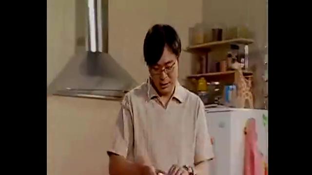 家有儿女:刘星作文比赛一等奖,拿奖状回家,刘梅不相信