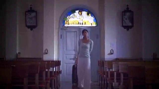 大结局:禁欲系神父却恋上灰姑娘,两人教堂动情拥吻