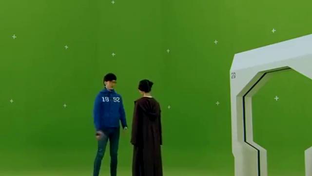 """《爱情公寓》:唐悠悠和张伟饰演""""科幻片"""",关谷一脸无奈"""