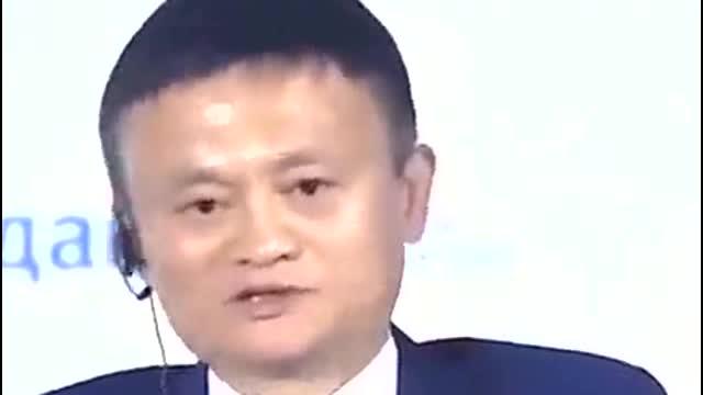 首富马云看到自己当年吹牛视频表情微妙王健林大忽悠