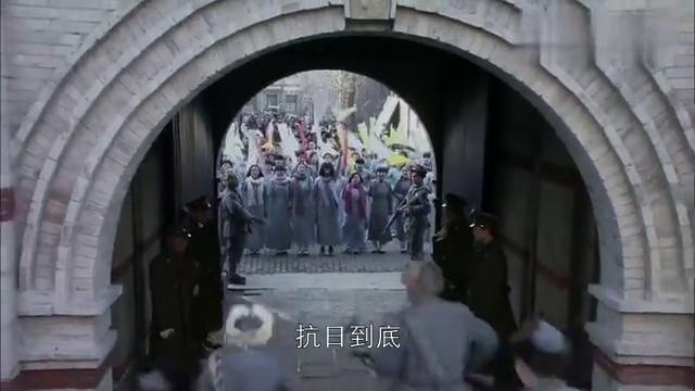 东方战场:张少帅不听劝说,坚持随老蒋回南京,最后下场太凄惨!