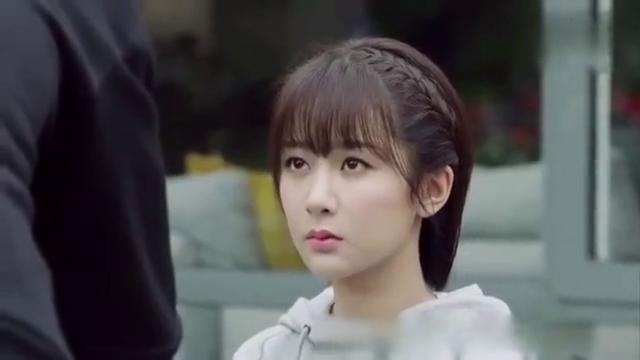 亲爱的,热爱的:韩商言开电话会议承认佟年为女友,年年暗自窃喜