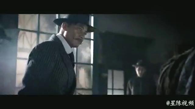 一群汉奸欺凌老乞丐,没想到老人是个武林高手,郭富城扮演