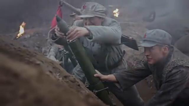 炮兵营长使用障眼法,迂回敌后架炮轰炸敌军指挥所,敌军落荒而逃