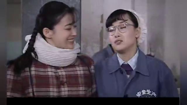 香烟里塞纸条嫁给海军军官,闺蜜想效仿,李萍说她能直接帮忙介绍