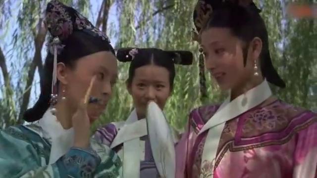 刘太医获得眉庄的信任,眉庄拿他与温太医比,眼真拙