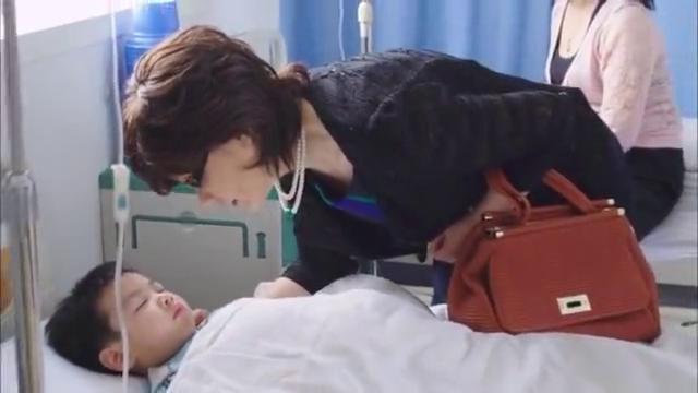 一家老小匆忙的都赶到了医院,得知孙子患的是肠胃炎