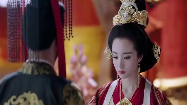一家两个亲生姐妹,不料一个在皇宫当皇后,一个在寺庙当尼姑