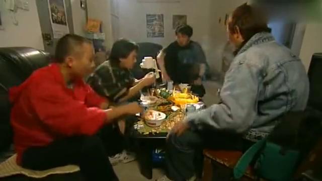 插翅难逃:香港警察真笨,在杨吉光面前自作聪明,被杨吉光识破