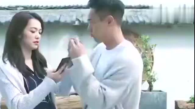 姚晨与杨祐宁郭京飞搞怪合影《都挺好》主演重聚