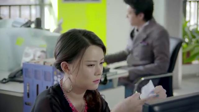 公司总裁暗示员工,说公司要上演一部潘金莲和西门庆的故事