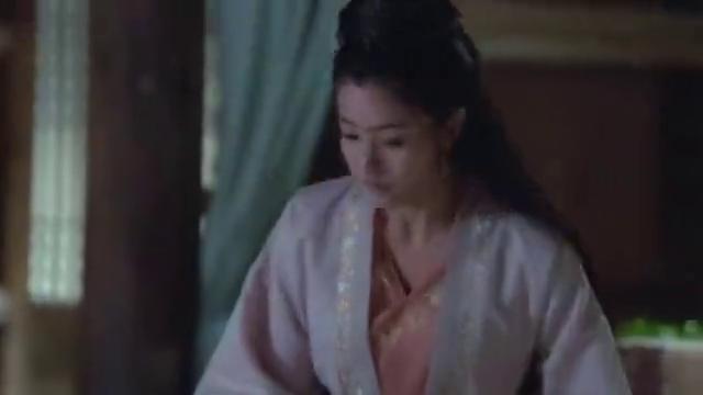 为防止木槿逃跑,段月容竟用绳子拴住她,这是月老的红线吗?