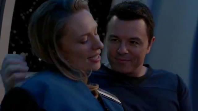 舰长被外星女间谍欺骗爱情,最后还心软把她放走