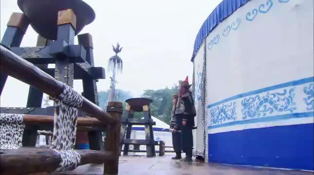 公孙玉瑶给铁利松下酒菜,没想到下秒铁利送她两个亲兵!