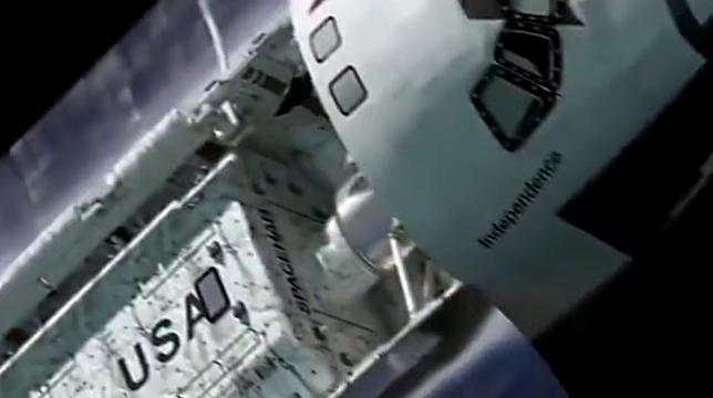 鲨鱼竟飞到外太空中?宇宙飞船遭了大祸,竟被鲨鱼当成美食