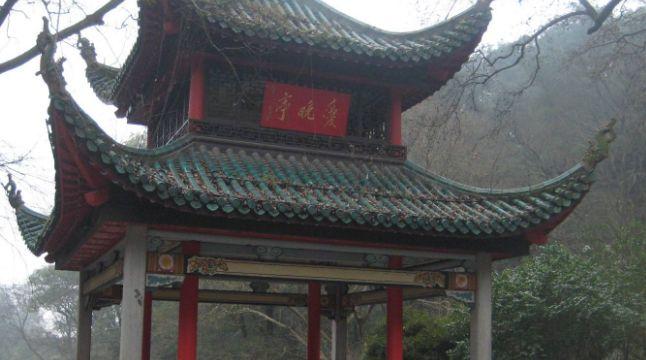 岳麓山中赏红叶好去处,名诗词句流传已久,就在爱晚亭