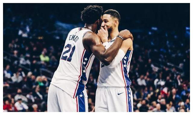 NBA东部季后赛对战已经全部出炉,雄鹿VS魔术、热火VS步行者、猛龙VS篮网