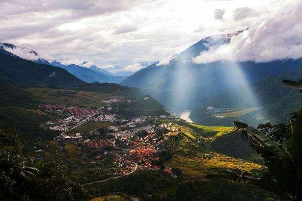 """西藏一绝美小城,比大理撩人,比丽江恬静,被称""""西藏西双版纳"""""""