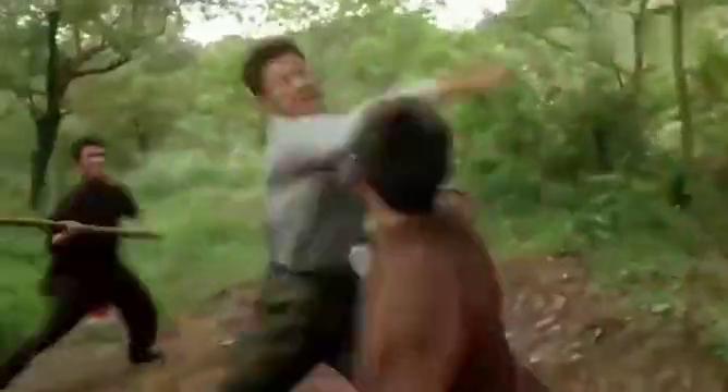 一部凶狠格斗猛片 女猴拳高手复仇黑帮 下手狠辣 生猛无比