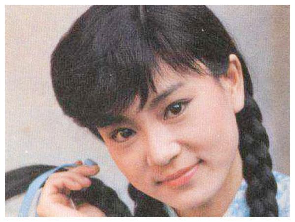 刘雪华的雪珂,俞小凡的康梦凡,岳翎的新月,都没有她的角色惊艳