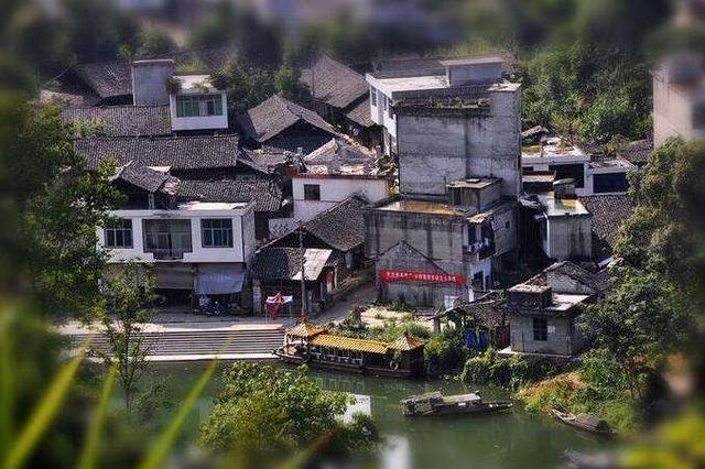 """重庆一座绝美小镇,景色不输桂林,有""""小漓江""""的美称"""