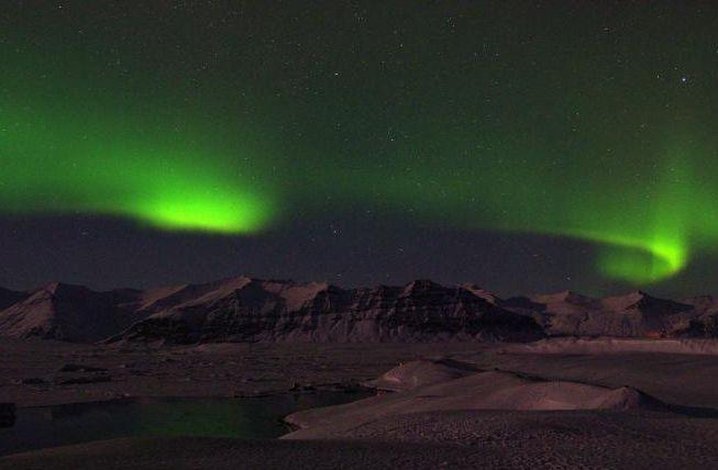 杰古沙龙冰河湖,是冰岛瓦特纳冰原东南部边缘天然泻湖