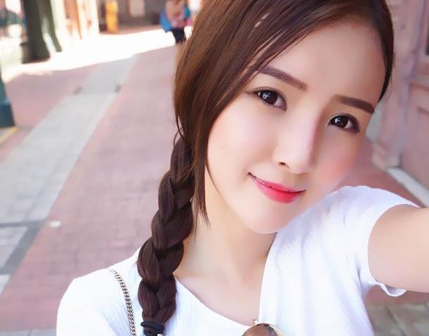 马来西亚娇柔模特,可盐可甜太美腻 少女风的魅力穿搭可爱迷人