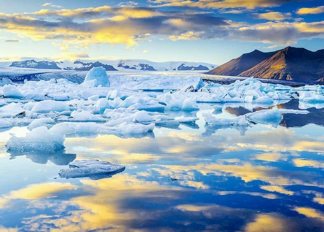 冰岛风景真的超美,随手一拍都是大片的感觉