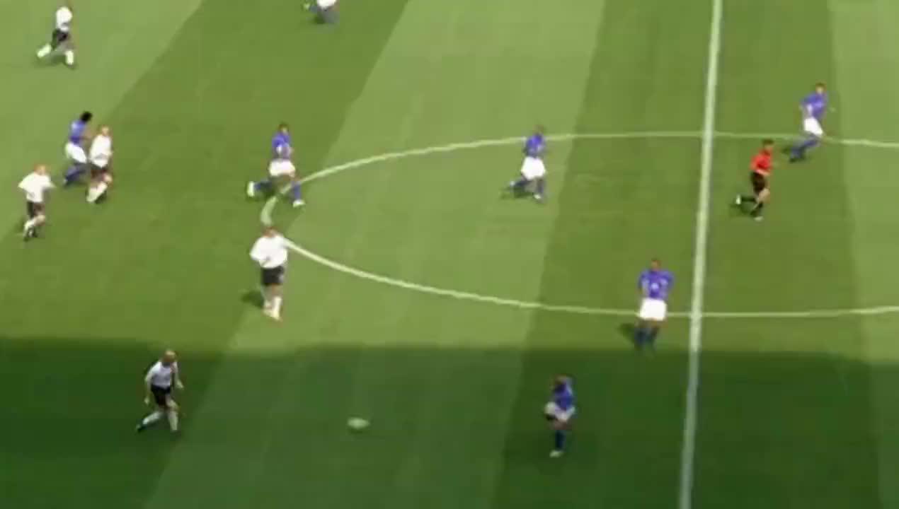 02年世界杯经典 欧文破门得分小罗传射建功 巴西2比1逆转英格兰