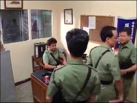 囚笼:警察早已盯上社团,秘密盯梢调查,天网恢恢-疏而不漏