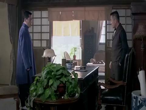 七爷的话戳中田子行痛处,使他压抑不住心中怒火,与七爷拔枪相对