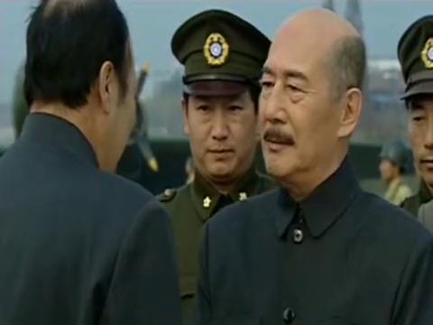 东方红;总裁给下属下达命令只需要他们执行和给自己结果