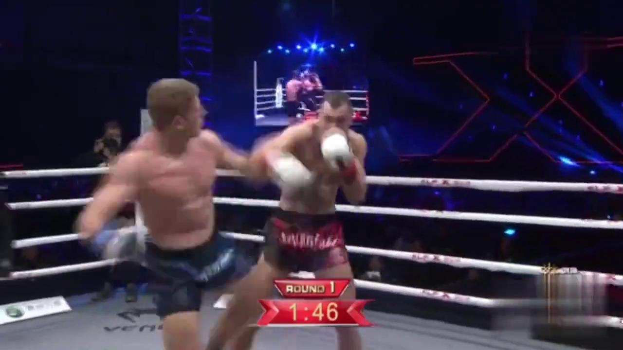 号称智商最高的拳手罗曼判定胜菲利普,菲利普惨败鼻血飙擂台!