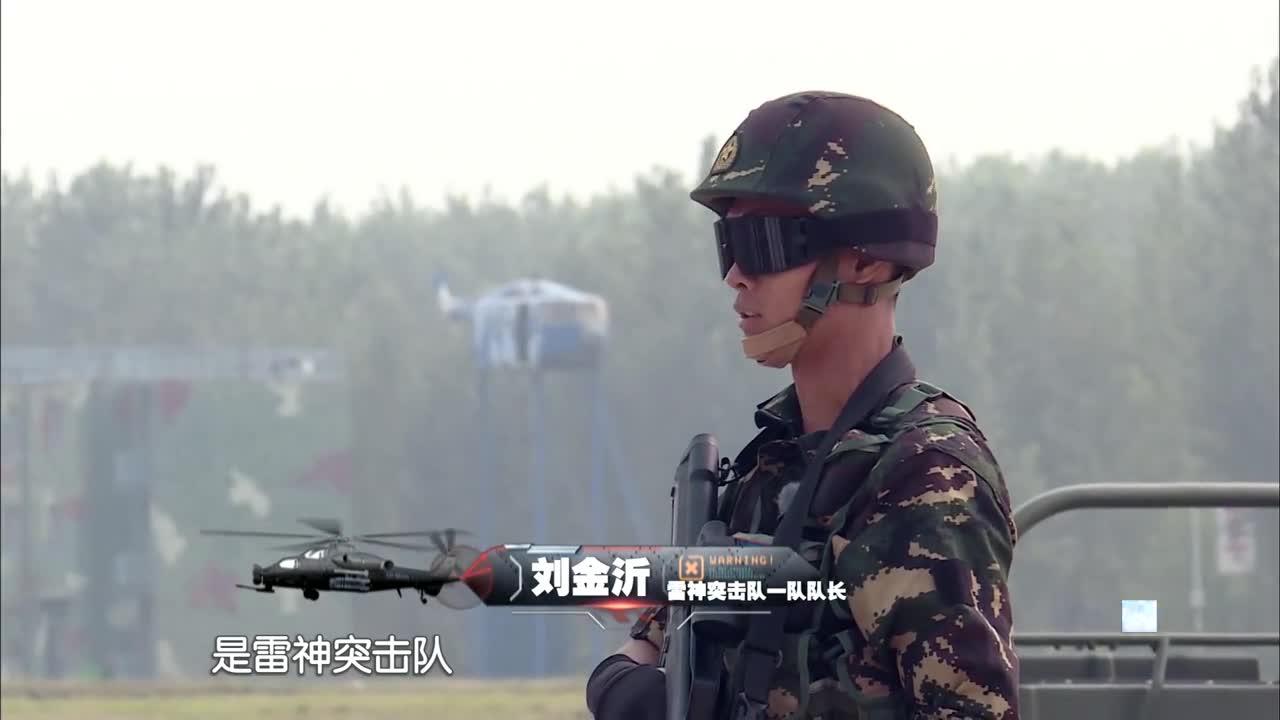 佟丽娅杨幂到部队军训,大长腿水蛇腰,兵哥哥都激动了!
