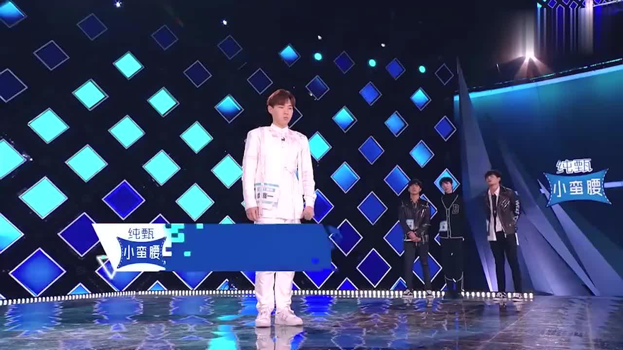 李鑫一激情演唱《输了你赢了世界又如何》,网友:太好听了