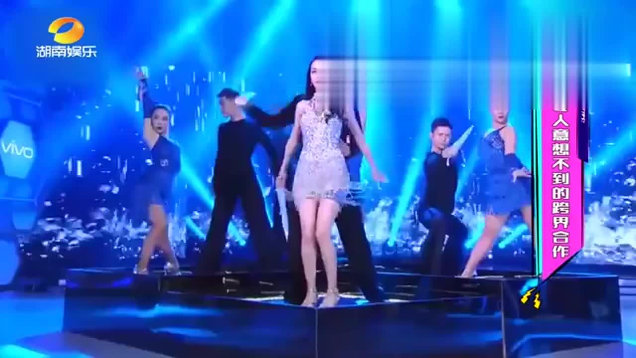 迪丽热巴跳舞太妖娆了,这样的人间尤物搭配杜海涛,真是辣眼睛!