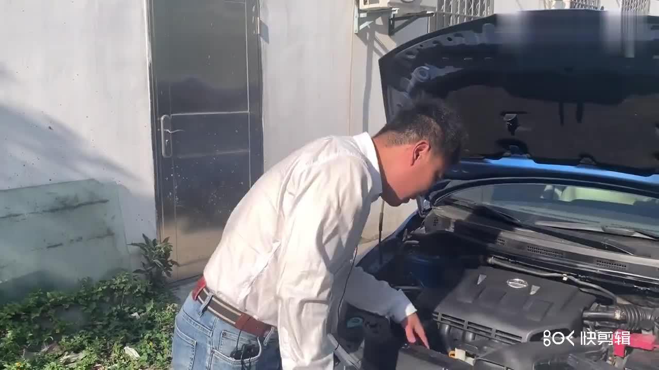 视频:2万多预算买下高性价比日产骐达,感觉赚大了,车老板哭了