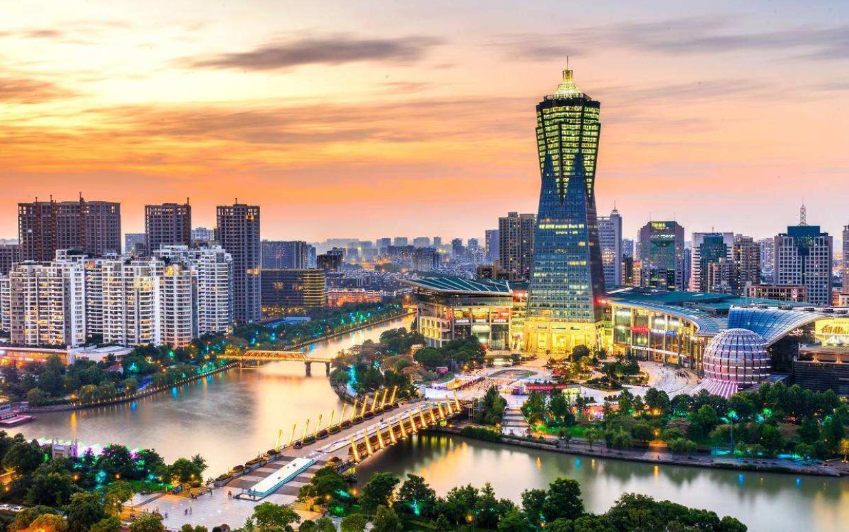 中国最美的新一线城市,坐拥举世闻名的5A景区,却从不收门票!